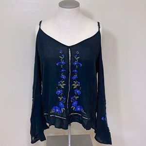American Eagle Floral Embroidered Cold Shoulder Boho Peasant Style Top S